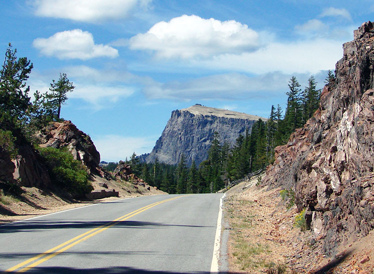 The 33-mile Rim Drive is a popular drive that takes up to two hours to complete. // © 2016 Creative Commons user 23155134@N06 (Don Graham)