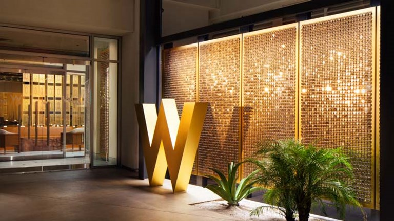 The subtle entrance of the new W Las Vegas underscores the hotel's intimate and backstage feel. // © 2017 W Las Vegas