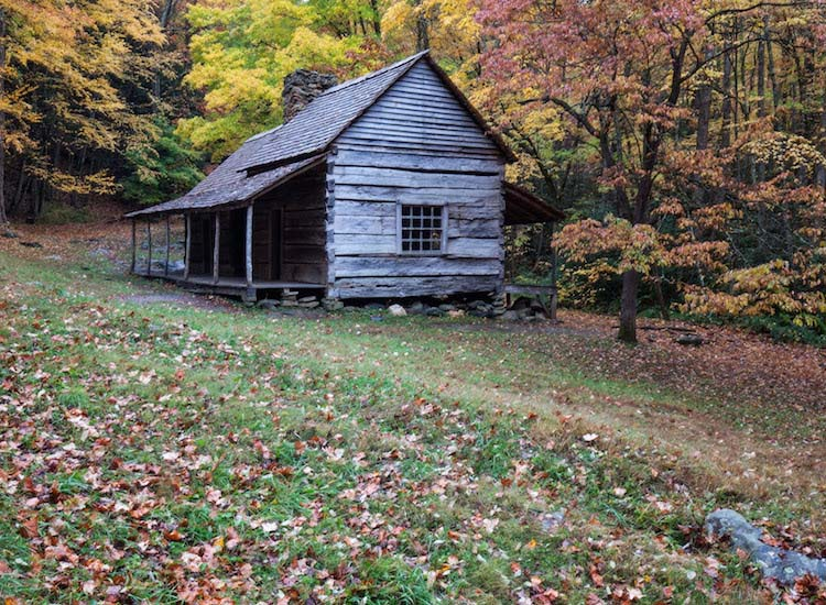 Preserved structures along the Cades Cove loop road provide a glimpse of early 19th-century life. // © 2016 Wildland Trekking