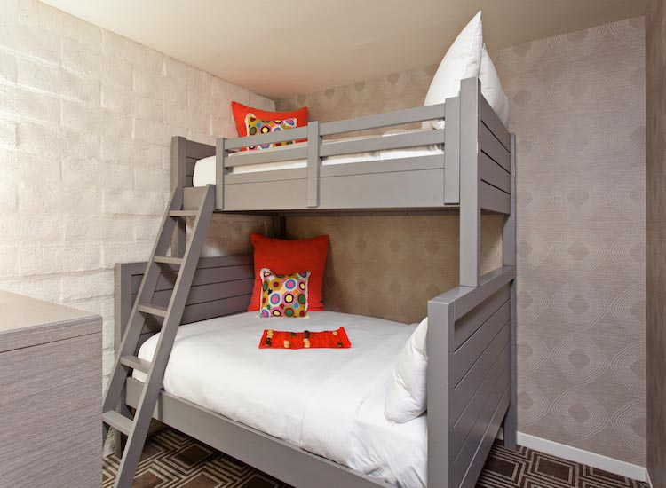 There are 257 rooms at the hotel, including some with bunk beds for families. // © 2017 The Garland