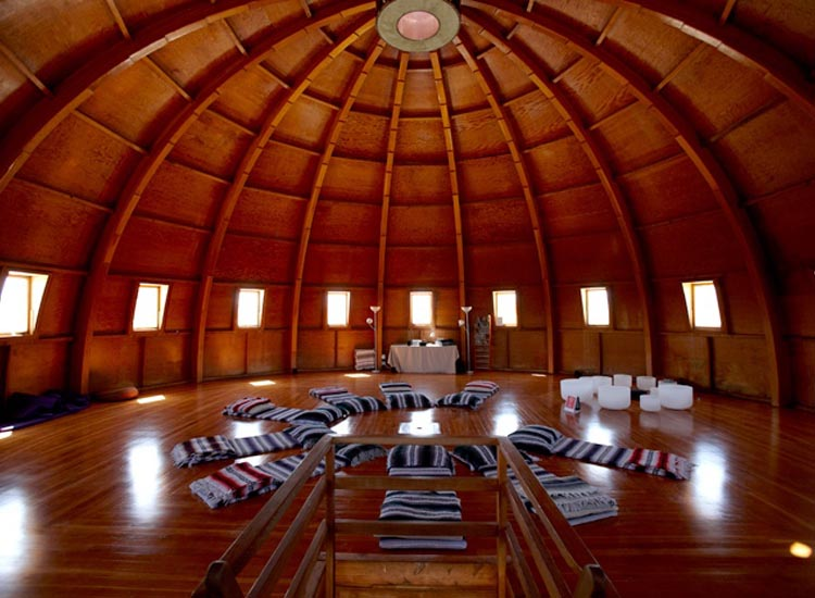 An acoustically-perfect structure, The Integratron offers sound baths, meditation sessions incorporating the healing properties of sound. // © 2014 Carl Rice