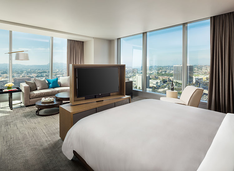 The brand-new, 889-room InterContinental Los Angeles Downtown features modern accommodations, such as the Deluxe Suite above, and breathtaking views of surrounding Los Angeles. // © 2017 InterContinental Los Angeles Downtown
