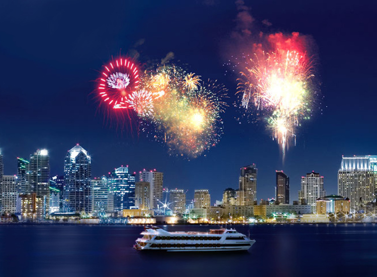 The Big Bay Boom July Fourth Fireworks Show in San Diego provides stunning views across the bay. // © 2014 Hornblower Cruises and Events