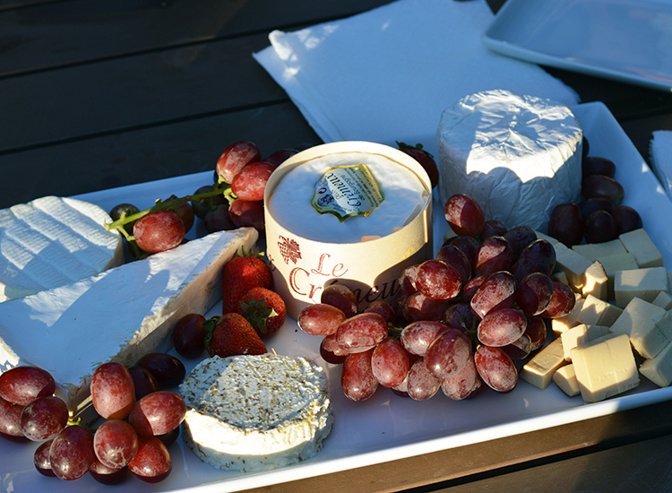 A gourmet cheese plate is included in the Vintner Tour. // © 2015 Valerie Chen