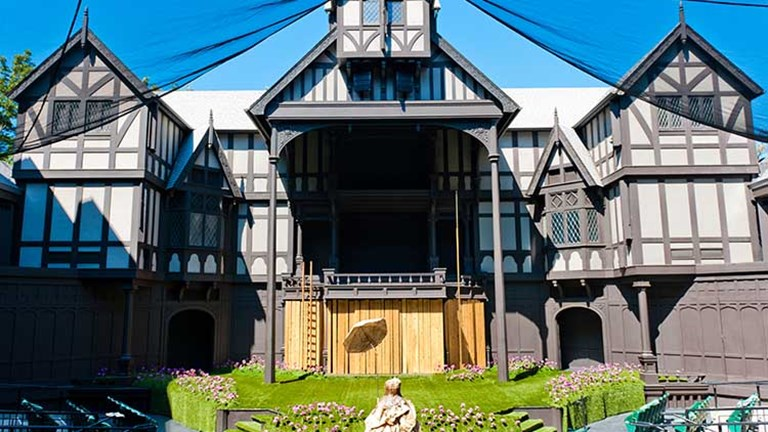 The Oregon Shakespeare Festival has entertained the Rogue Valley and its visitors since 1935. // © 2017 Creative Commons user joh_4596