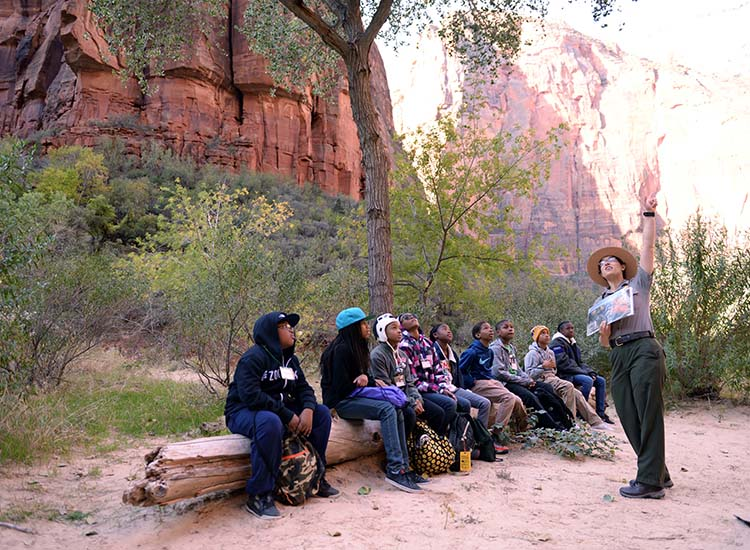 The Zion Canyon Field Institute offers classes, lectures and youth programs led by experts. // © 2016 NPS Photo