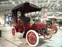 Brass-era buggies and other classic cars are on display // © Fountainhead Antique Auto Museum 2009