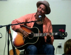 Guy Davis will perform at the 2010 Alaska Folk Festival // (c) Skip Gray, Alaska Folk Festival
