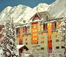 Chugach Powder Guides offers multi-day packages with lodging at Alyseka Resort.  // © 2012 Alyseka Resort