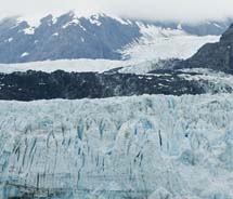 <div>Glacier Bay // © 2012 Glacier Bay Lodge & Tours</div><div><br /></div>