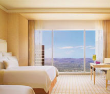 Wynn honored with five-star rating // © 2011 Wynn Resorts