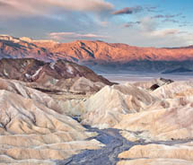 Clients can visit Death Valley National Park on a day trip from Las Vegas. // © 2012 Thinkstock