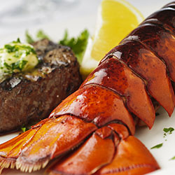 <p>Iberostar is giving away $100 Lobster Gram gift certificates for booking clients at Grand Collection resorts. // © 2016 iStock</p><div></div>