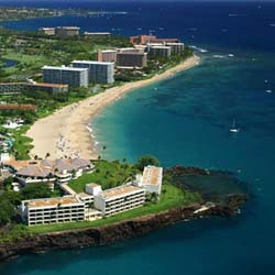 Earn free nights at the 11-acre Kaanapali Beach Hotel on Maui. // © 2014 Kaanapali Beach Hotel