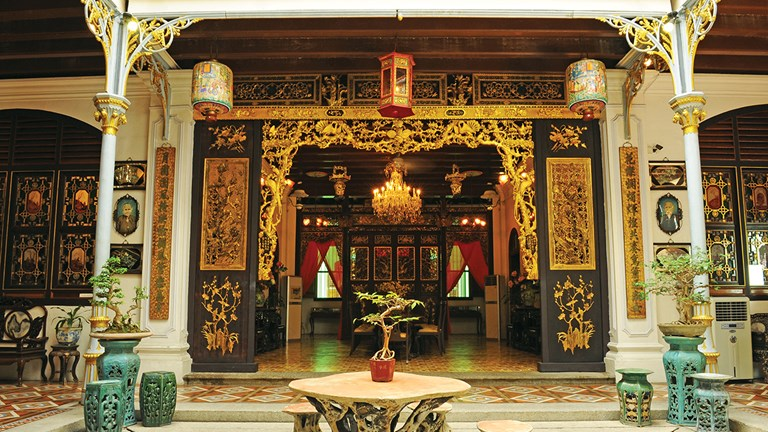 Clients interested in visiting UNESCO World Heritage Sites should also check out the Pinang Peranakan Mansion.