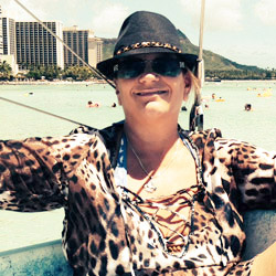 <p>Erin Avila of JEAC Travel and Tours relaxes during a Waikiki boat ride. // © 2014 Erin Avila</p><p>Feature image (above): Oahu's many...