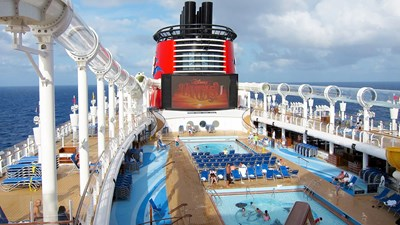 Top 6 Cruise Ship Attractions for Families