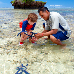 At Jean-Michel Cousteau Resort, children can interact with marine life. // © 2014 Jean-Michel Cousteau Resort