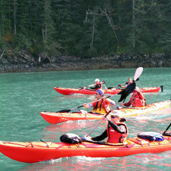 Great Alaska Adventures' family package includes the option to participate in watersports. // © 2016 Great Alaskan Adventures