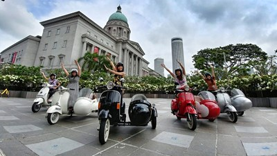 How to Tour Singapore in Vintage Vespa Sidecars