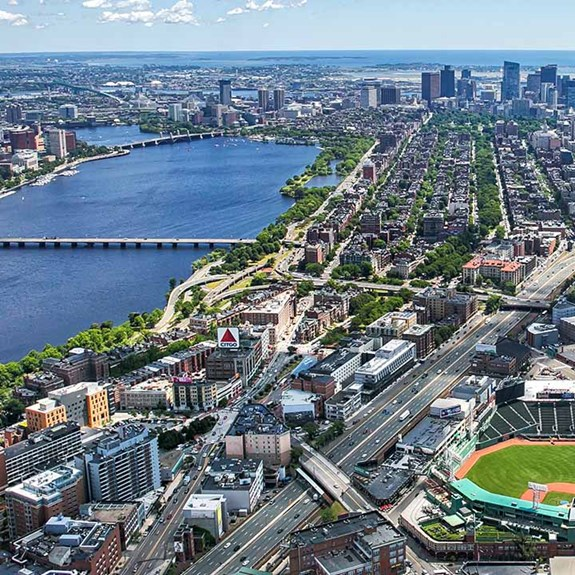 Why Baseball Fans Will Love Fenway Park Tours