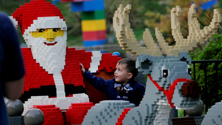The giant holiday-themed Lego builds at Legoland California are perfect for holiday photos.