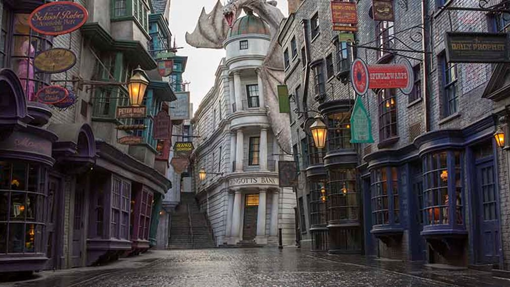 universal studios hollywood vs universal orlando guide travelage west